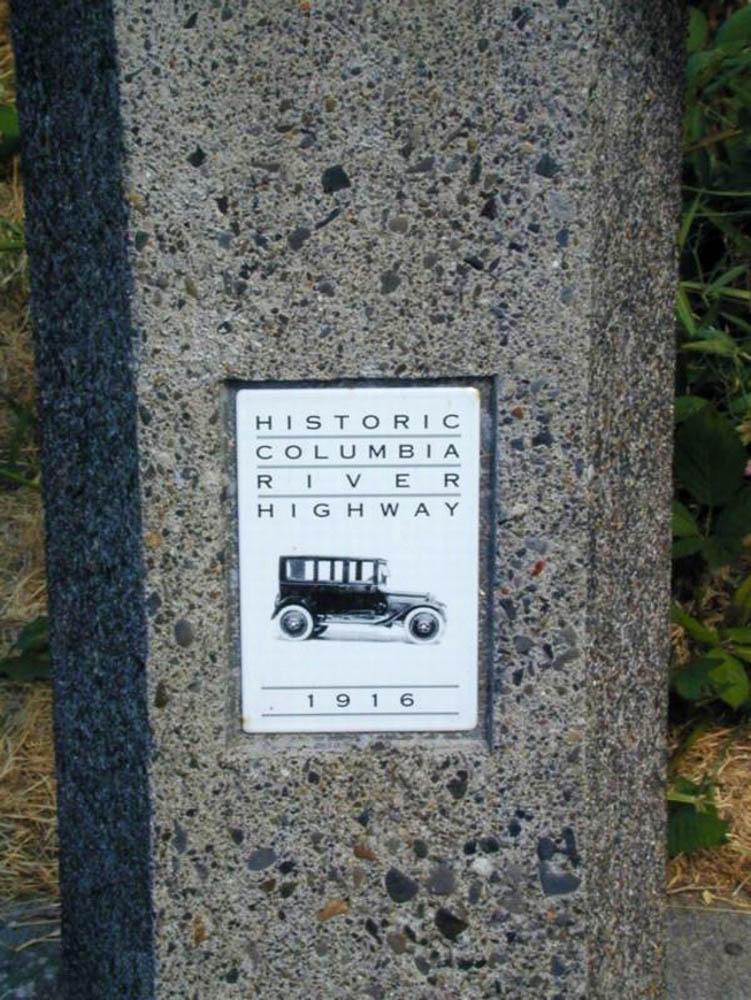 Historic Columbia River Highway marker