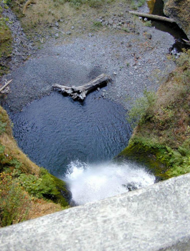 Historic Columbia River Highway, Multnomah Falls