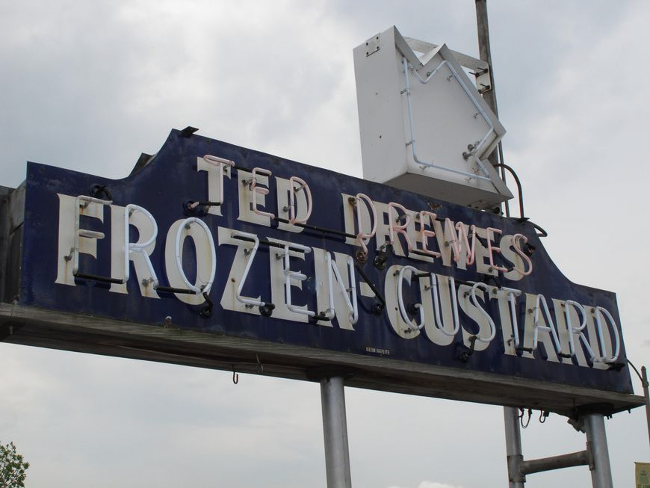 Driving Route 66, Ted Drewes custard stand