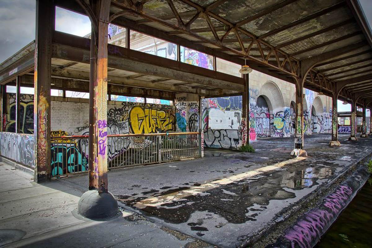 Oakland 16th street train station