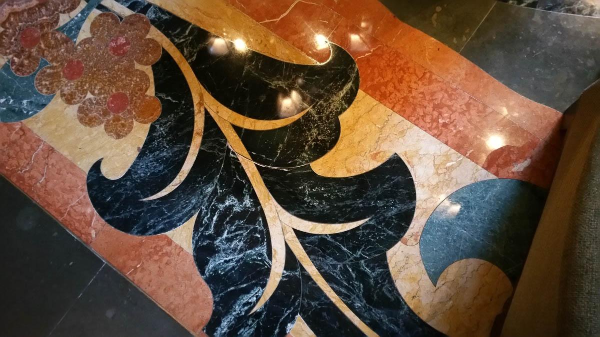 California Grand Htoel lobby
