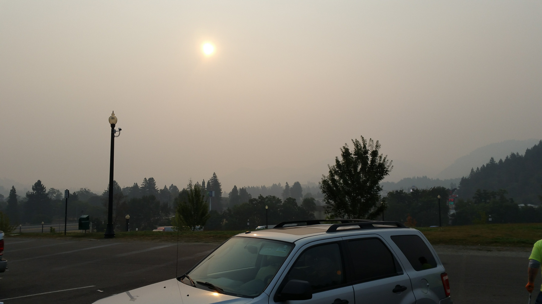 Late afternoon on the day of the eclipse the smoke came back. Both California and Oregon were having big wildfires that year