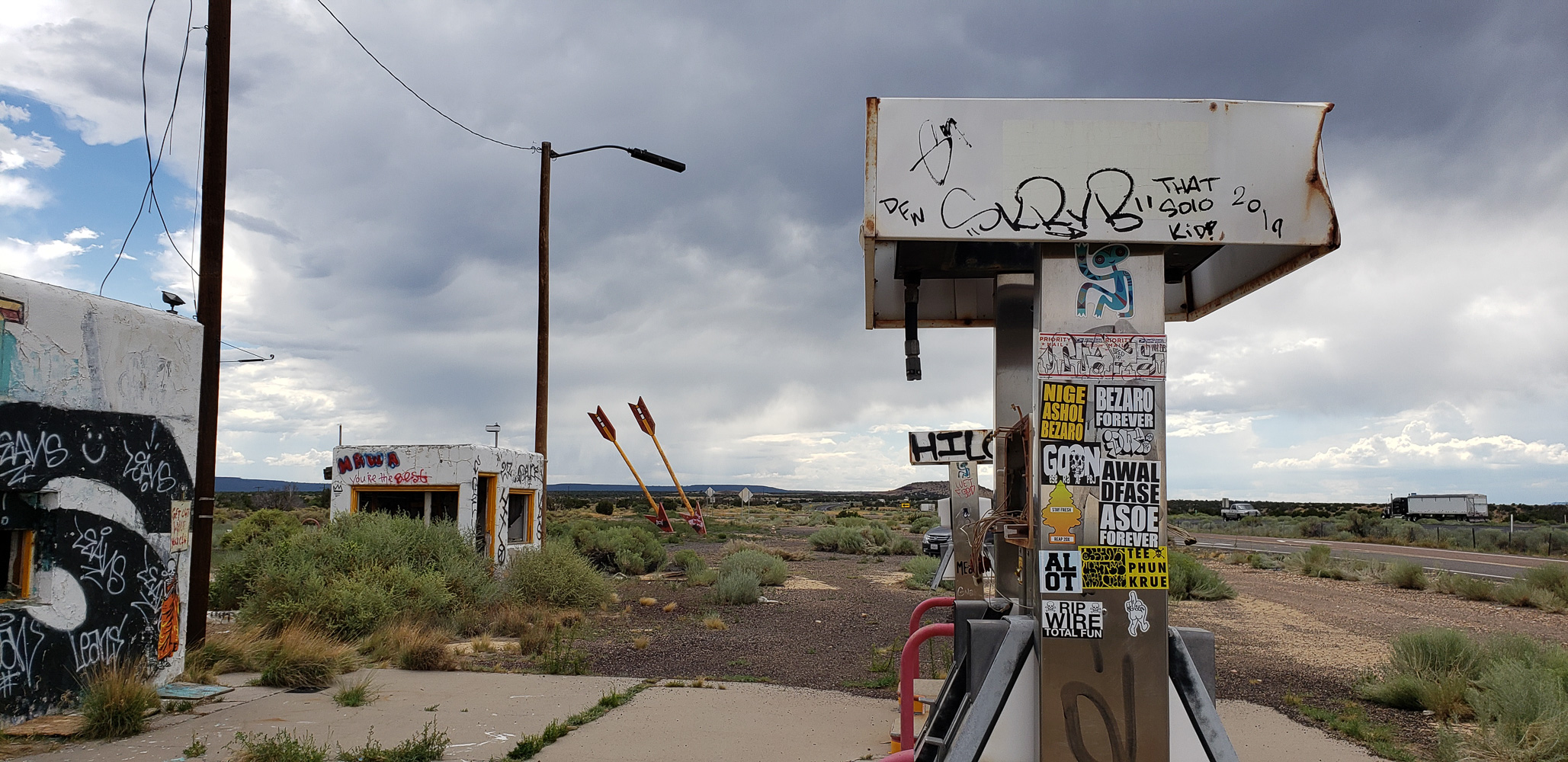 Abandoned Twin Arrows trading post along route 66